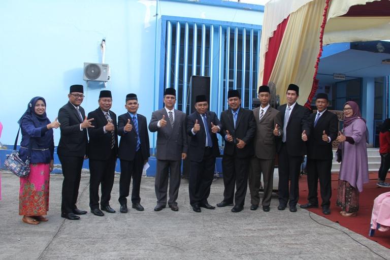 Jajaran pejabat baru dilantik untuk mengisi struktur baru PDAM Padang.