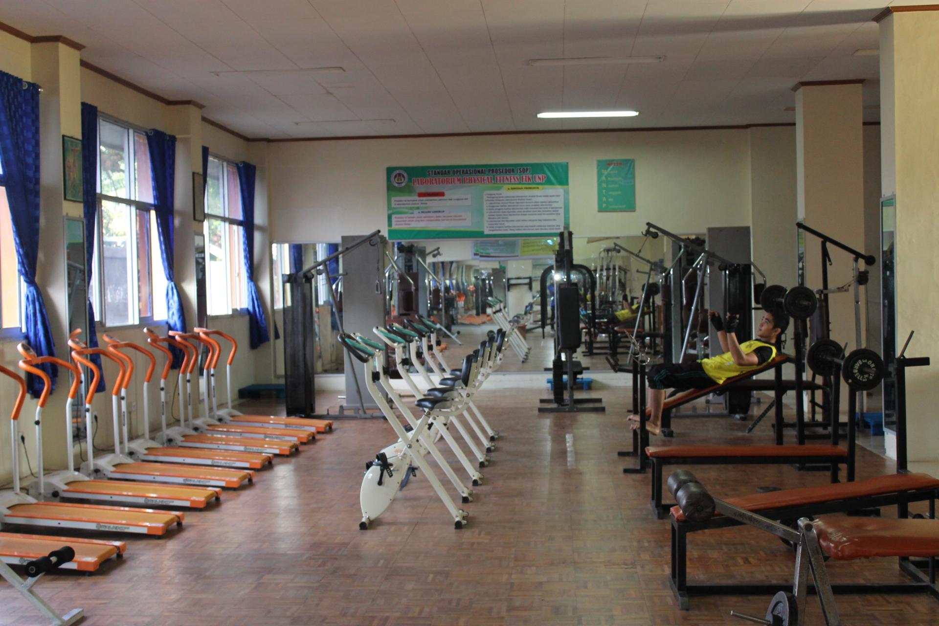 Ruang Fitnes FIK UNP