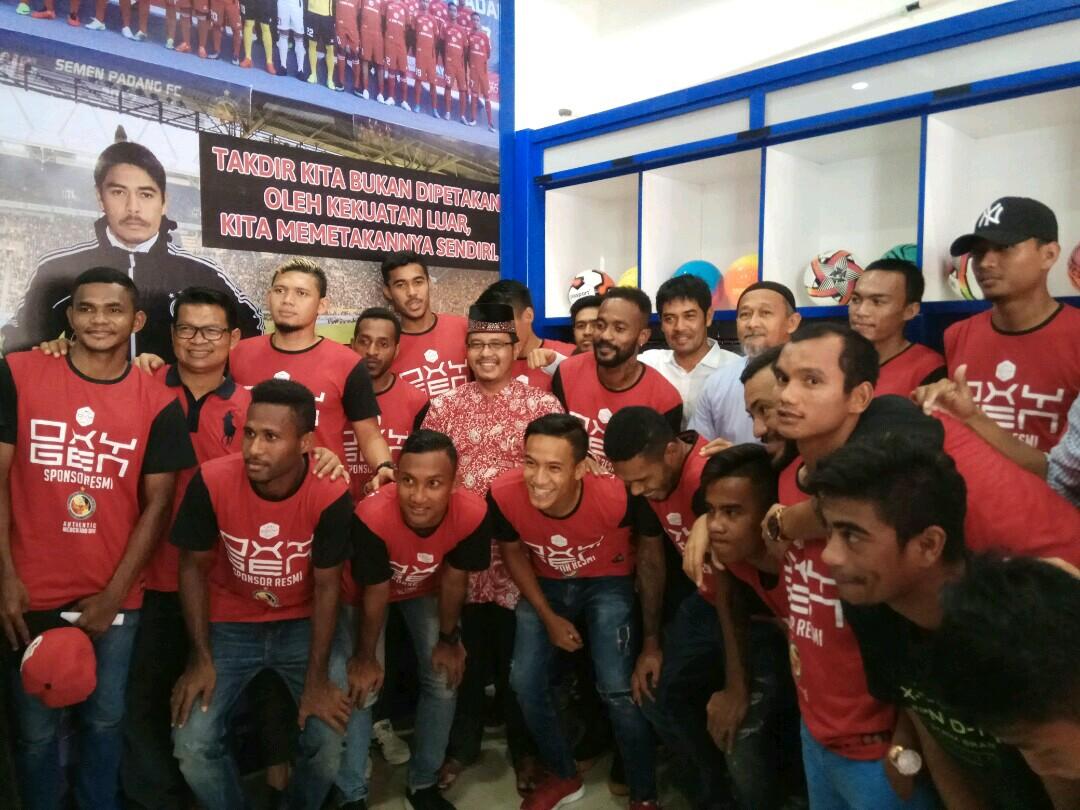 Punggawa Semen Padang FC Pun turut memeriahkan Launching NM Sport Apparel