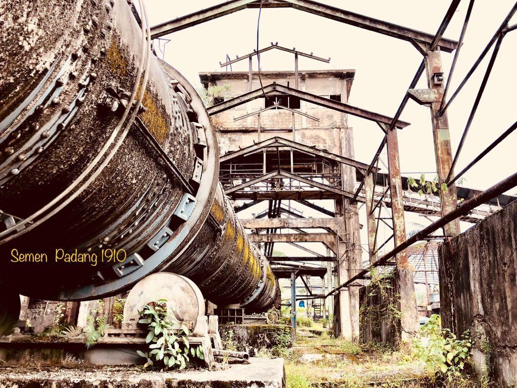 Foto : Yosfiandri Dirut PT Semen Padang