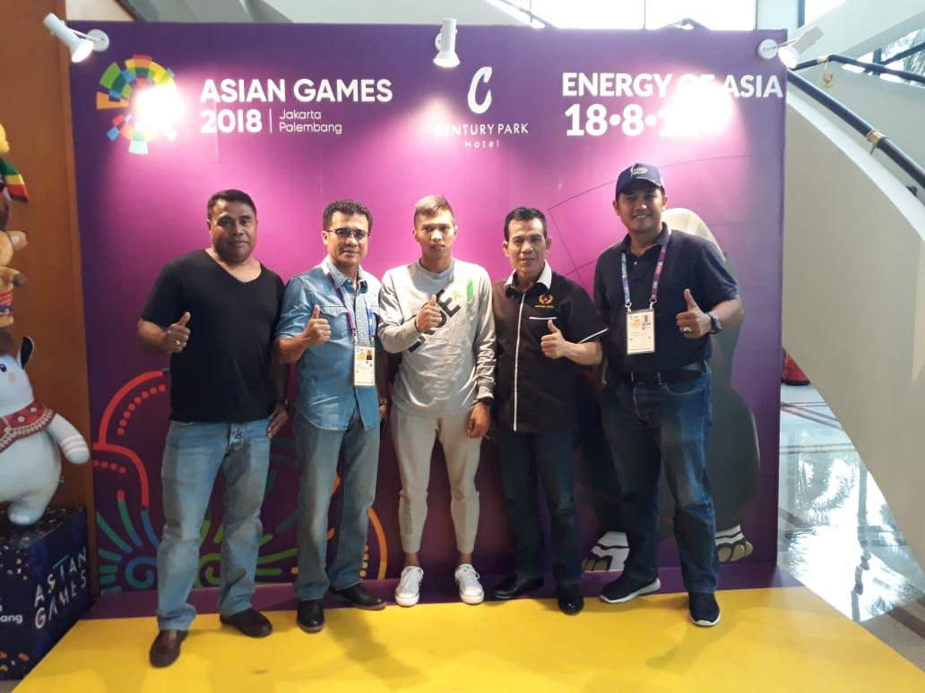 Memberi Motivasi Wahyudi Atlet Atletik Sumbar yang Berlaga di Asian Games