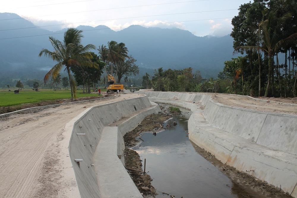 PT RUM – Kelman (KSO) Bekerja Profesional dan Utamakan Kualitas, Revitalisasi Sungai di Danau Maninjau bisa Menunjang Ekowisata