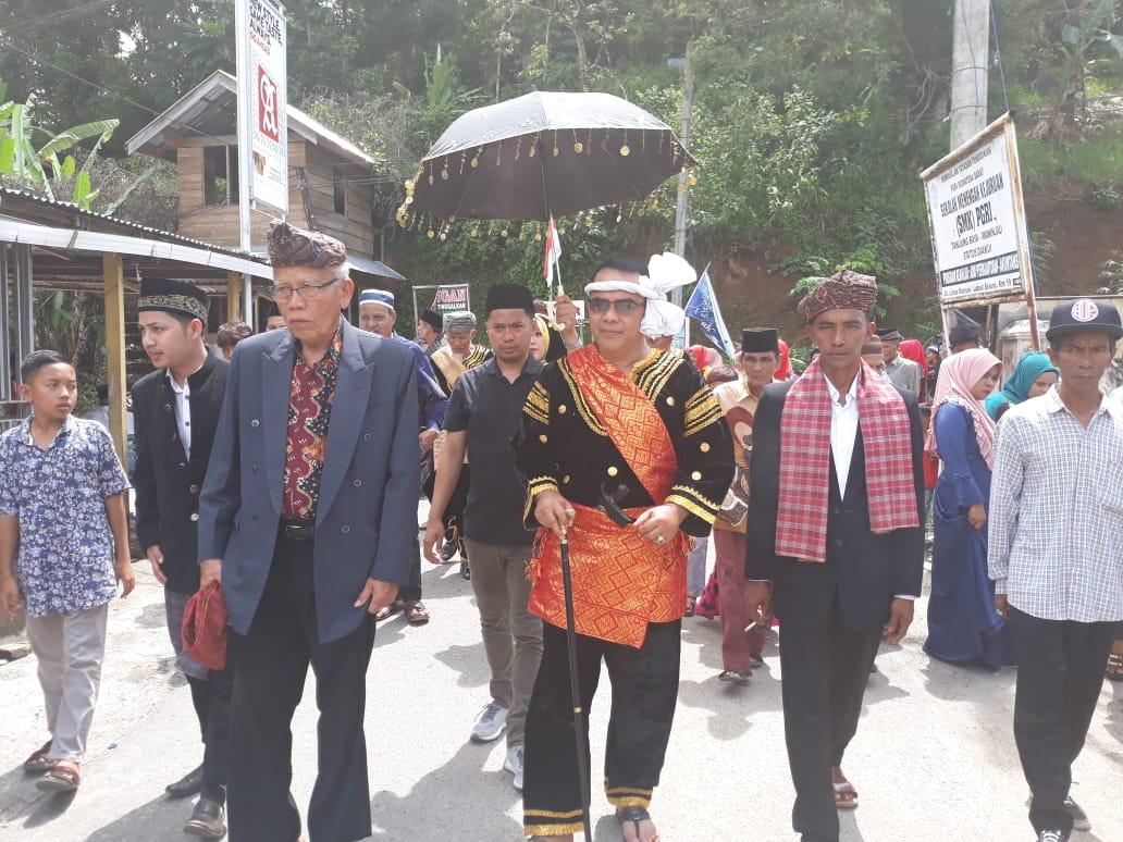 Menyandang Gelar Dt. Sinaro Nan Kuniang, Reflismen Dinobatkan Sebagai Pangulu Pasukuan Sumagek
