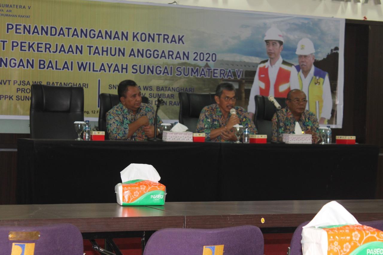 Awal Tahun sudah Tiga Kali Tanda Tangan Kontrak Paket Pekerjaan, BWS Sumatera V Bekerja Keras Bergerak cepat