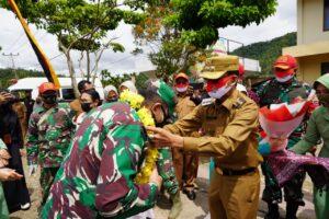 Danrem 032/wbr Beserta Rombongan Disambut Meriah Oleh Masyarakat Dengan Tari Pasambahan