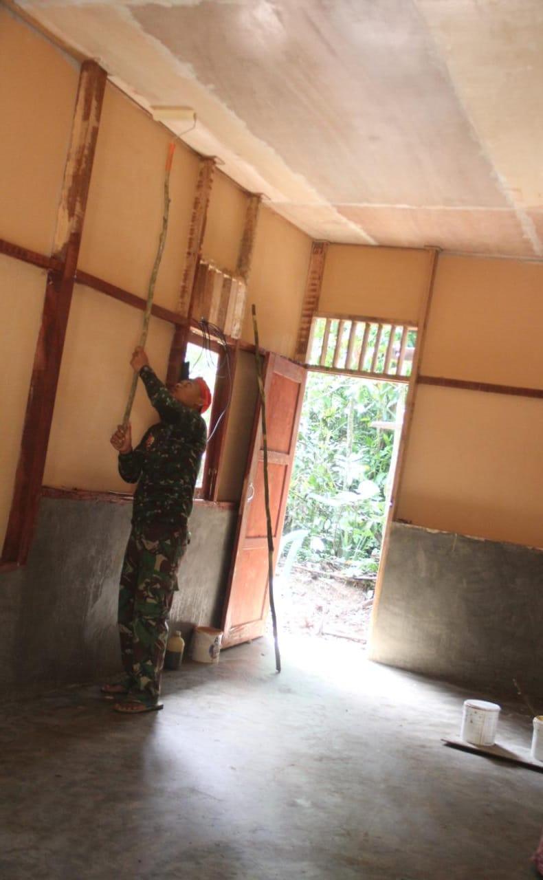 Pembangunan Rumah Layak Huni TMMD/N ke 111 Sudah Sampai Tahap Pengecatan