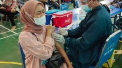Serbuan Vaksinasi dari Nakes TNI AL Lantamal II Padang