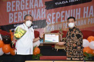 PT Semen Padang Raih Penghargaan Pelanggan Terbaik dari Baristand Industri Padang