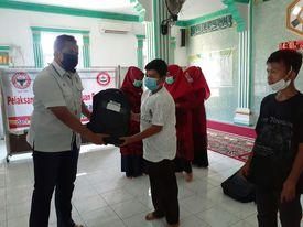 PTSP Salurkan Bantuan Paket Pendidikan untuk 70 Pelajar di Teluk Bayur